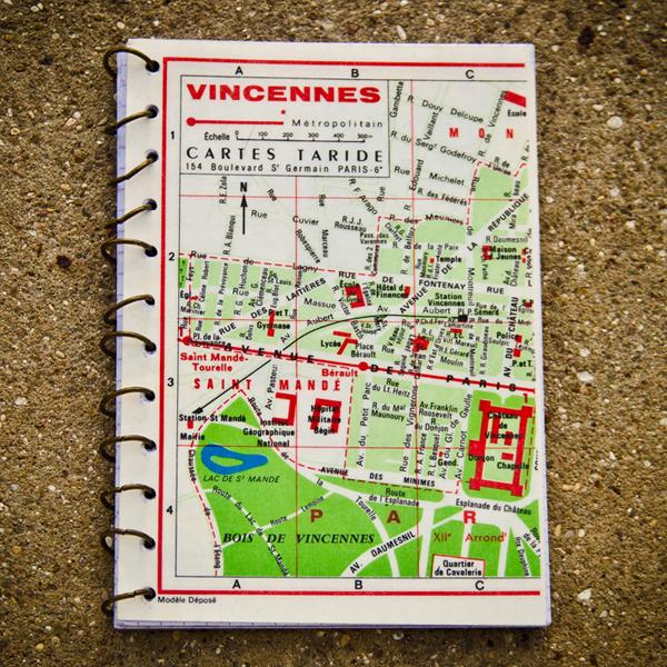 Carnet vintage plan de Vincennnes en soldes sur A Little Market