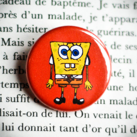 Badge 32mm Bob l'éponge rouge