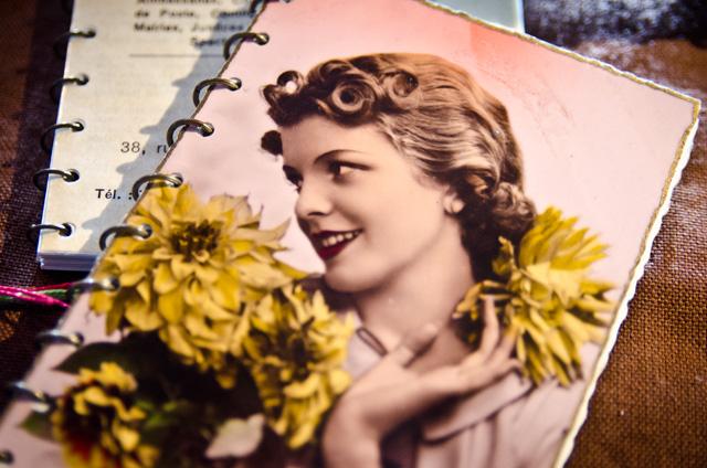 Carnets vintages fait main. Stand Assuna aux Boutiques Ephémères à La Bellevilloise