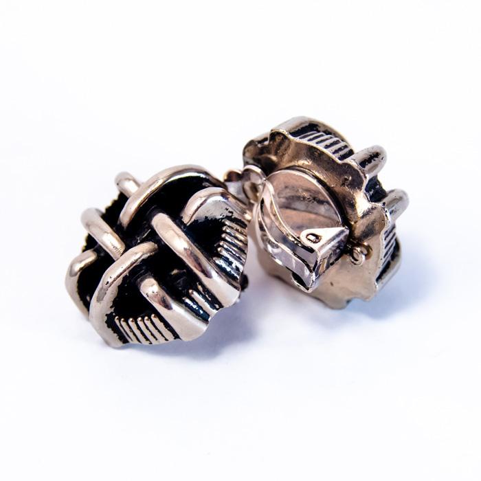 Boucles boutons créateur argenté clip