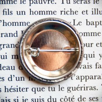 Badge vintage Songeuse