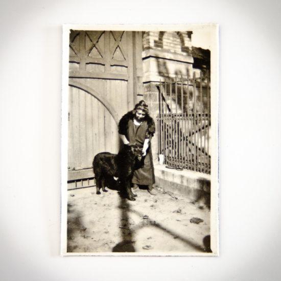Magnet vintage Dame et son chien