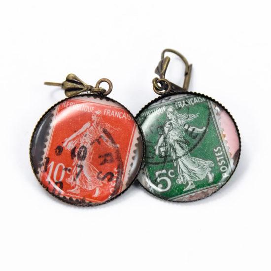 Boucles timbres anciens rouge et vert