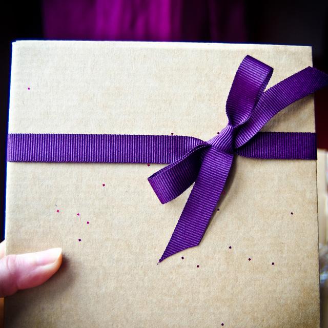 La jolie boîte en kraft de la Mademoiselle Box