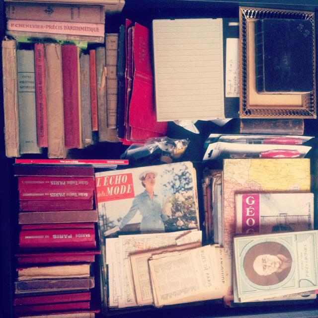 Le coin bibliothèque de l'atelier