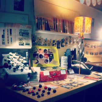 Le stand d'Assuna à l'expo Les Filles de Saison