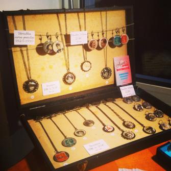 Les bijoux vintage Assuna en expo à Ma Ressourcerie