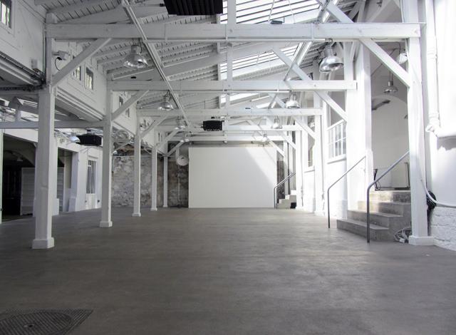 La grande salle du Quartier Général où nous serons installés dimanche