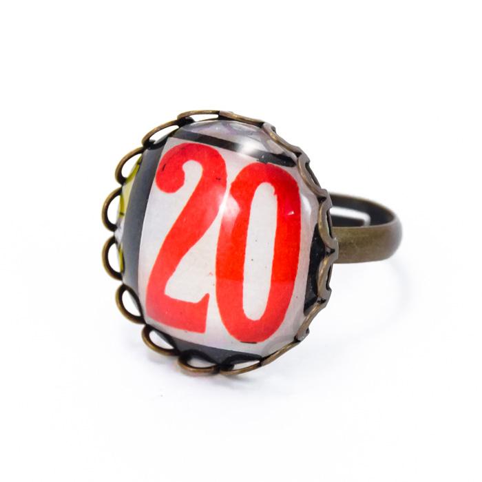 Bague numéro 20 rouge