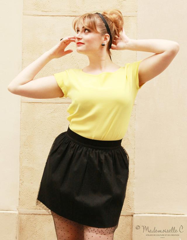 T-shirt 80's jaune et jupe Athènes plumetis de Mademoiselle C...