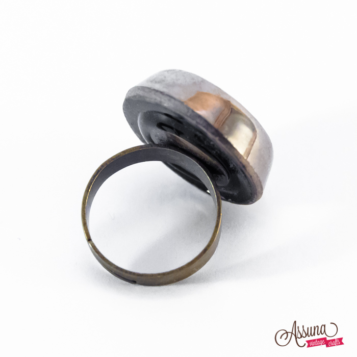 Silver coloured Liliane ring back