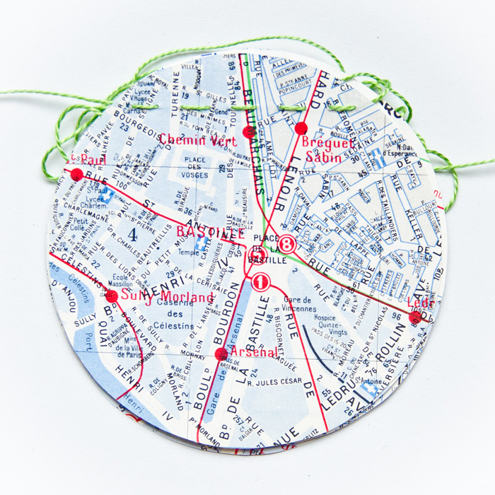 Petite guirlande vintage bleue plan de Paris
