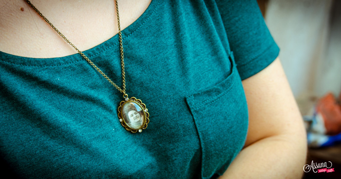 Sautoir vintage oval Agnès – shooting live de la collection boutons anciens