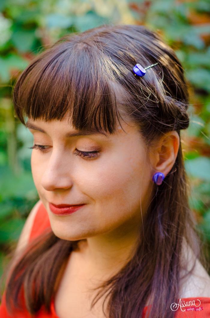 Boucles d'oreilles et barrette Georgette bleue – shooting live bijoux boutons anciens