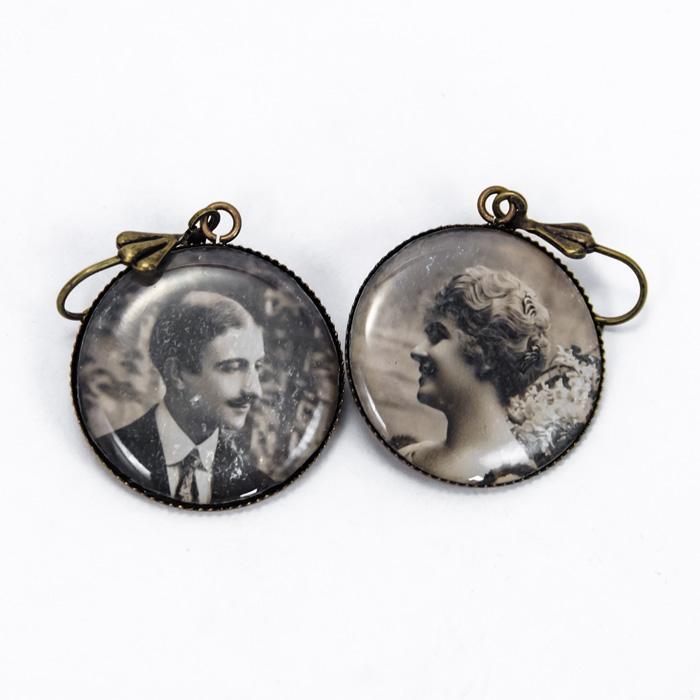 Postcard studs earrings Couple