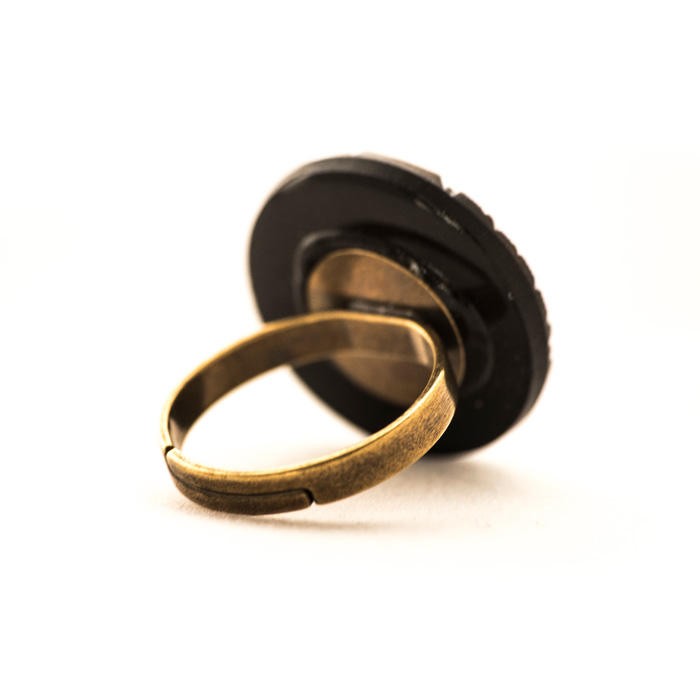Golden coloured Leonie ring