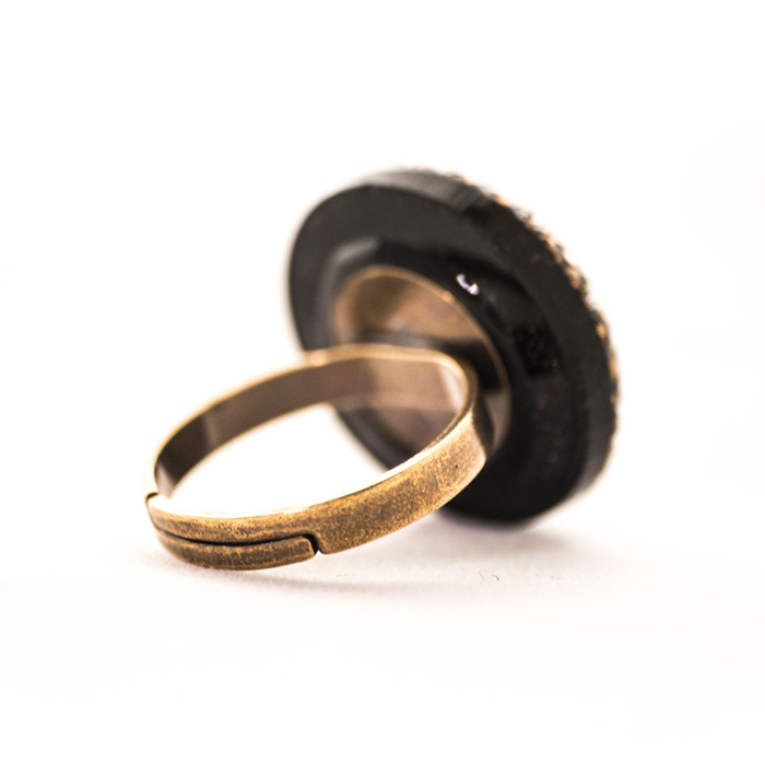 Golden Victoire ring