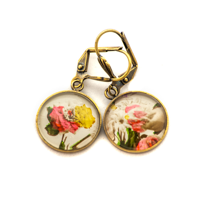 Golden postcard studs earrings Flowers Hand Yellow and Pink
