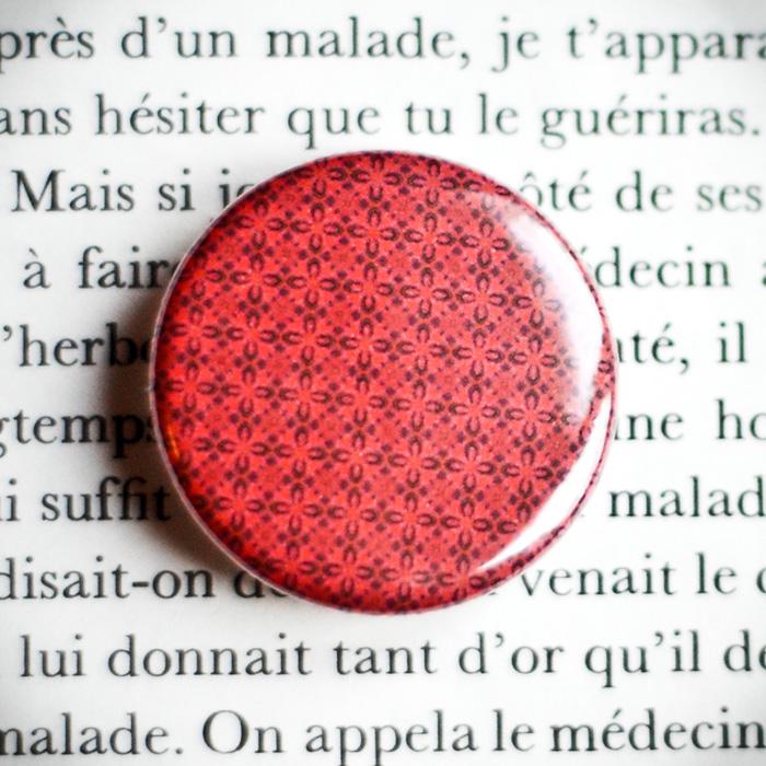 Badge Carmine 1