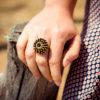 Assuna - Bague Marthe noire et dorée - Look