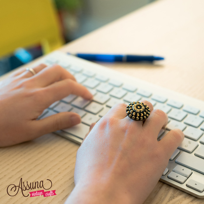 Golden and black Marthe ring