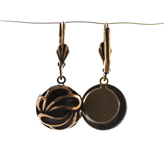 Les boucles d'oreilles dormeuses Andrée dorées et noires