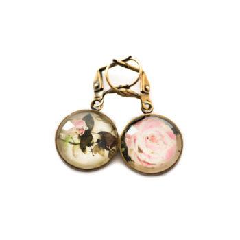 Boucles d'oreilles dorées carte postale Fleurs Roses Pâles Fond Blanc