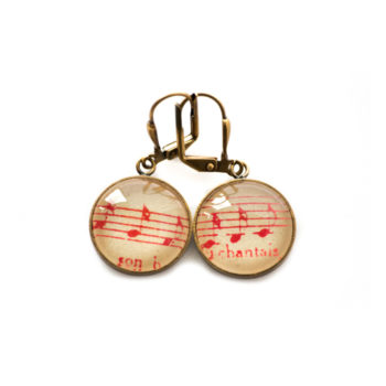 Boucles d'oreilles dorées Partitions Notes rouges Chant