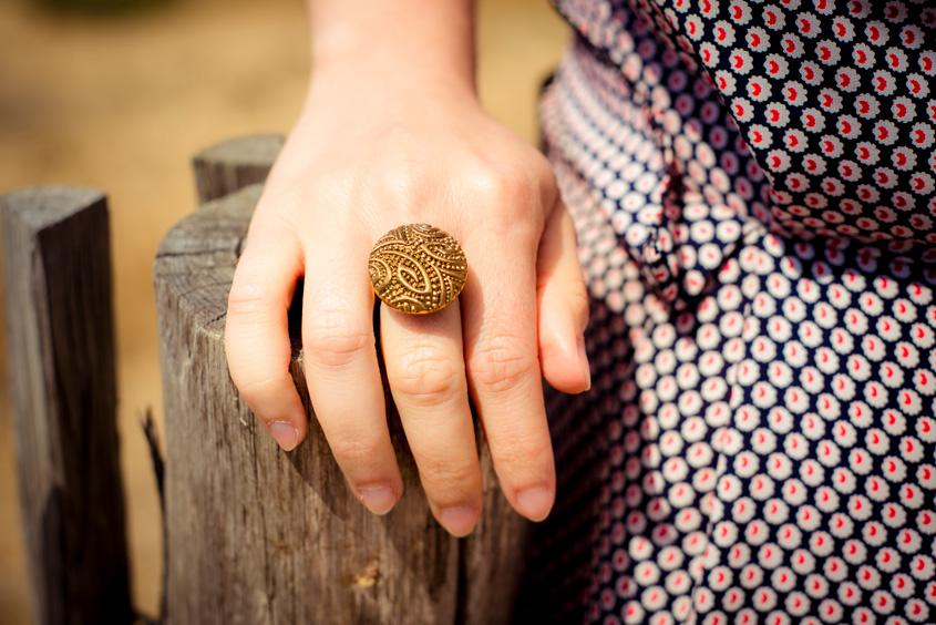 Bague Garance dorée – bouton ancien – Look