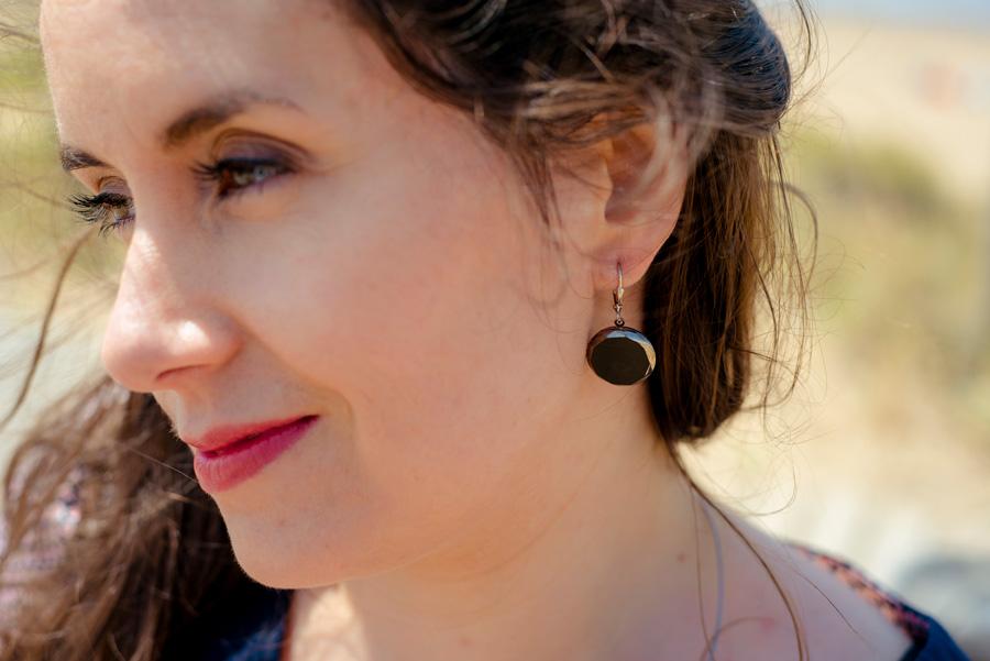 Boucles d'oreilles grandes dormeuses Gabrielle argent look porté