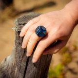 Assuna - Bague bouton ancien Angèle bleu - Look