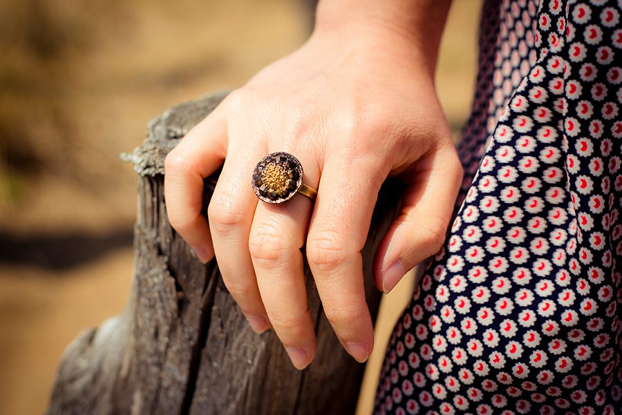 Assuna – Petite bague Sybille dorée