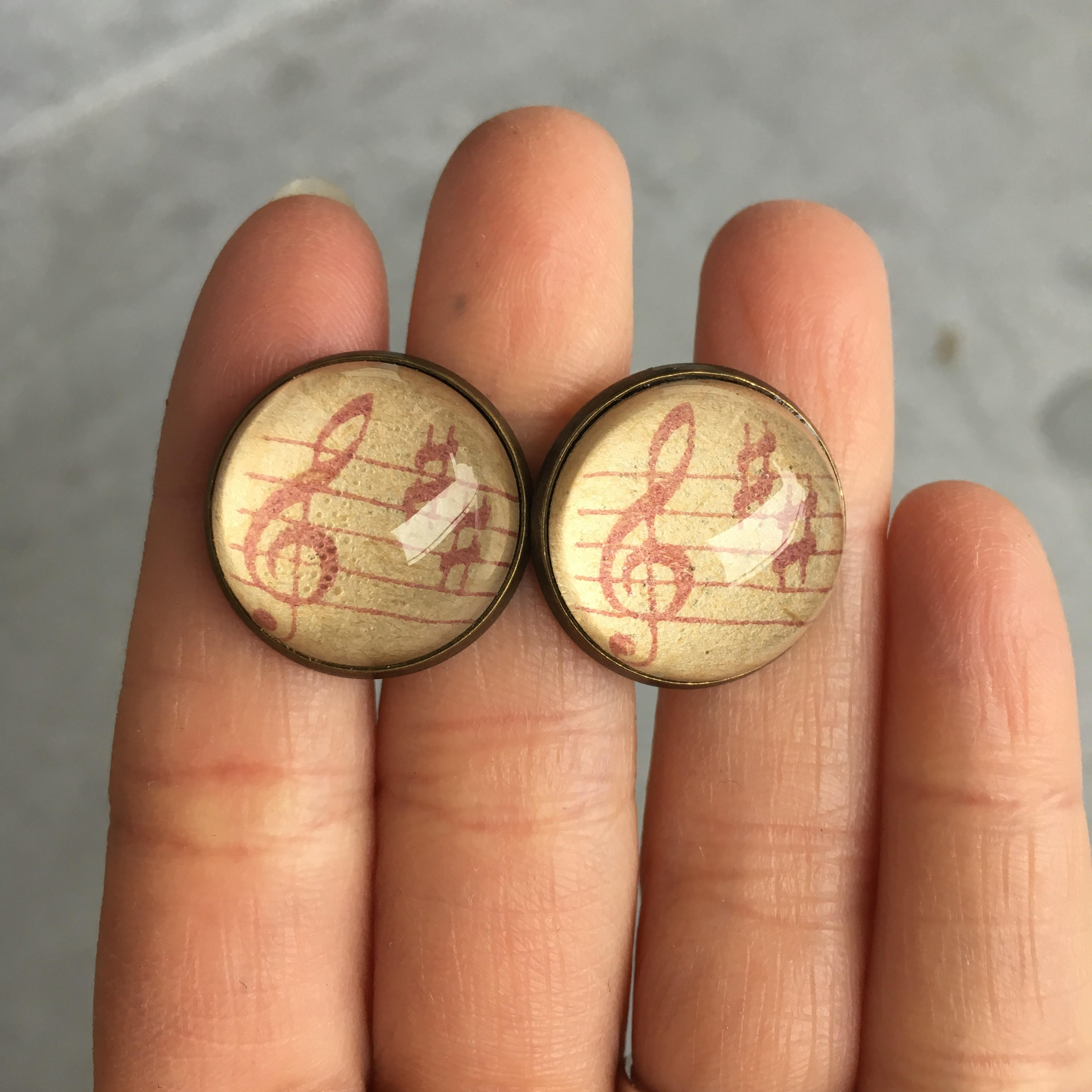 [Reserved] Cufflinks with music notes