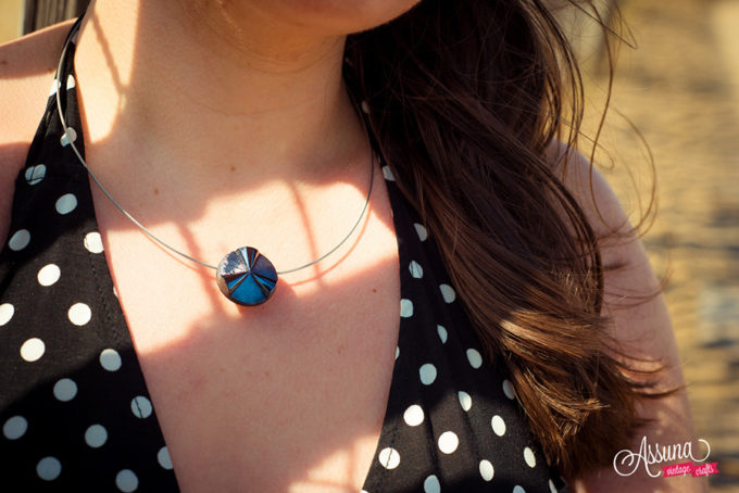 Assuna Lookbook 2017 - Collier bouton solo Angèle bleu
