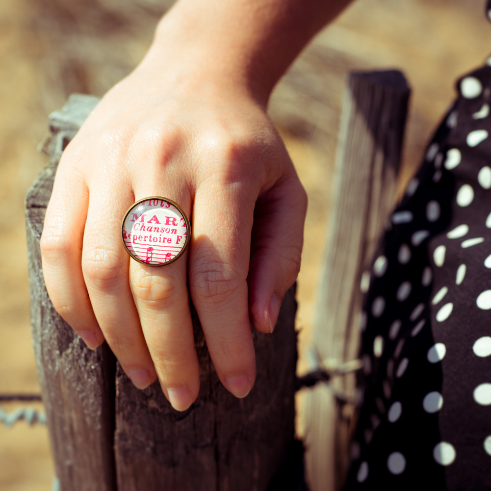 Bague partition ancienne notes roses chanson look