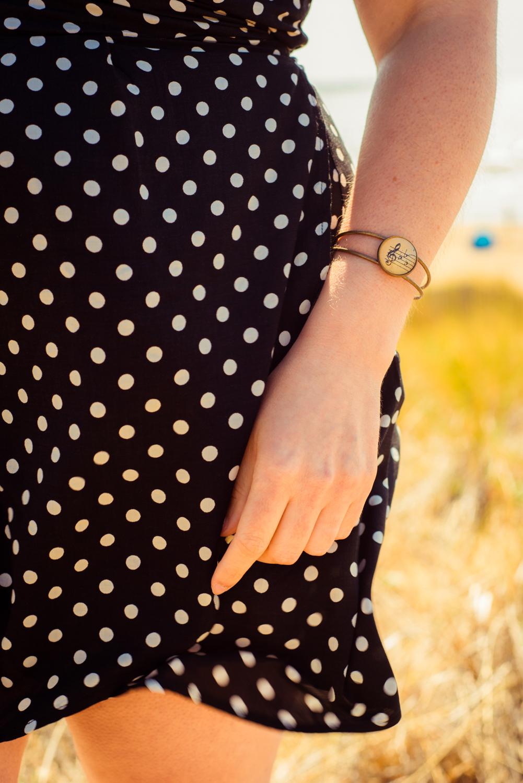 Bracelet partition clé bémol noir porté