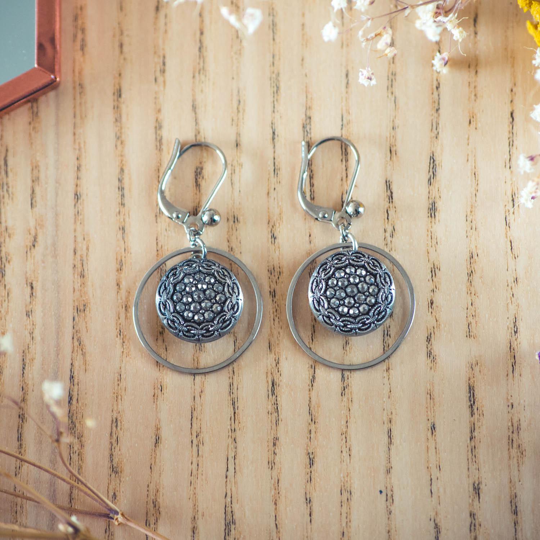 Assuna – Boucles d'oreilles petites dormeuses cercles Aglaé inspiration vintage