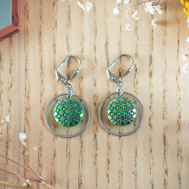 Assuna – Boucles d'oreilles petites dormeuses cercles Eugénie vert inspiration vintage
