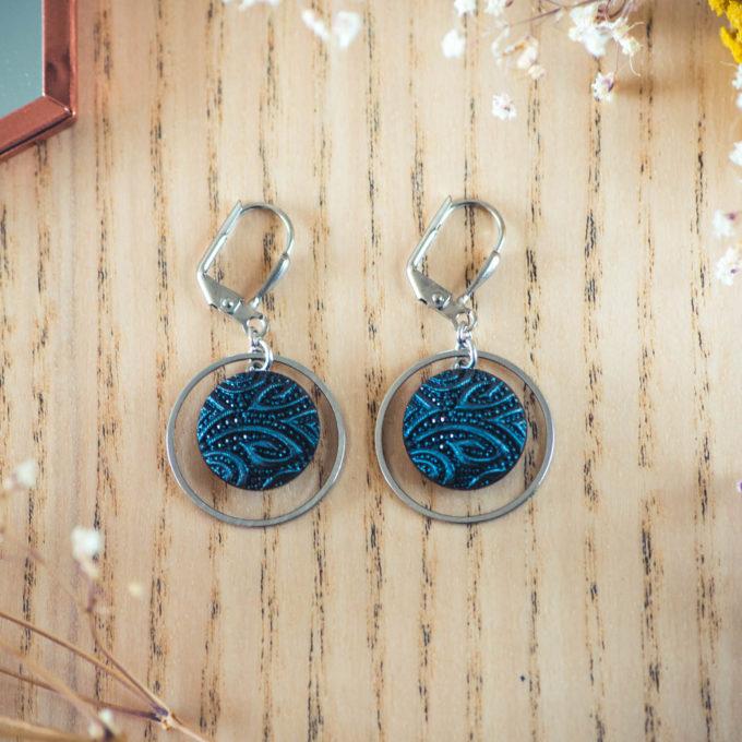 Assuna - Boucles d'oreilles petites dormeuses cercles Garance bleu inspiration vintage