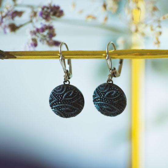 Boucles d'oreilles dormeuses bouton ancien Garance bleu inspiration vintage