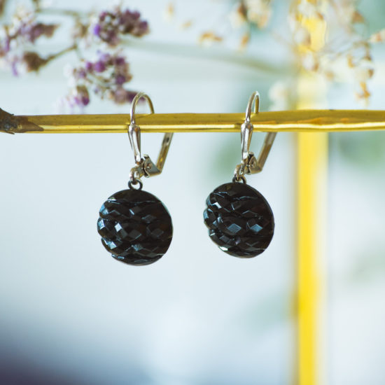 Boucles d'oreilles dormeuses bouton ancien Noir argent inspiration vintage