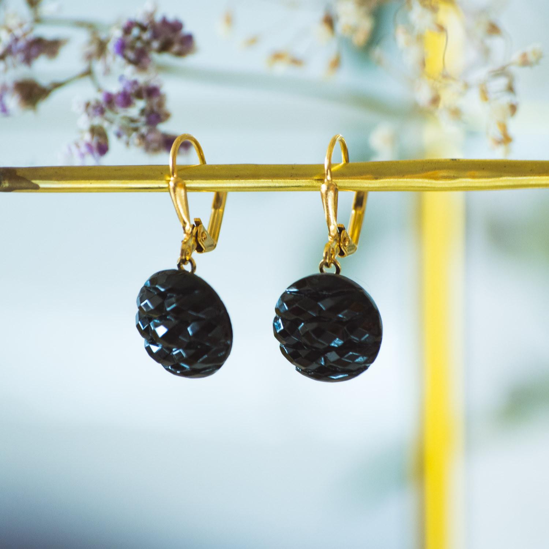 Boucles d'oreilles dormeuses bouton ancien Noir or inspiration vintage