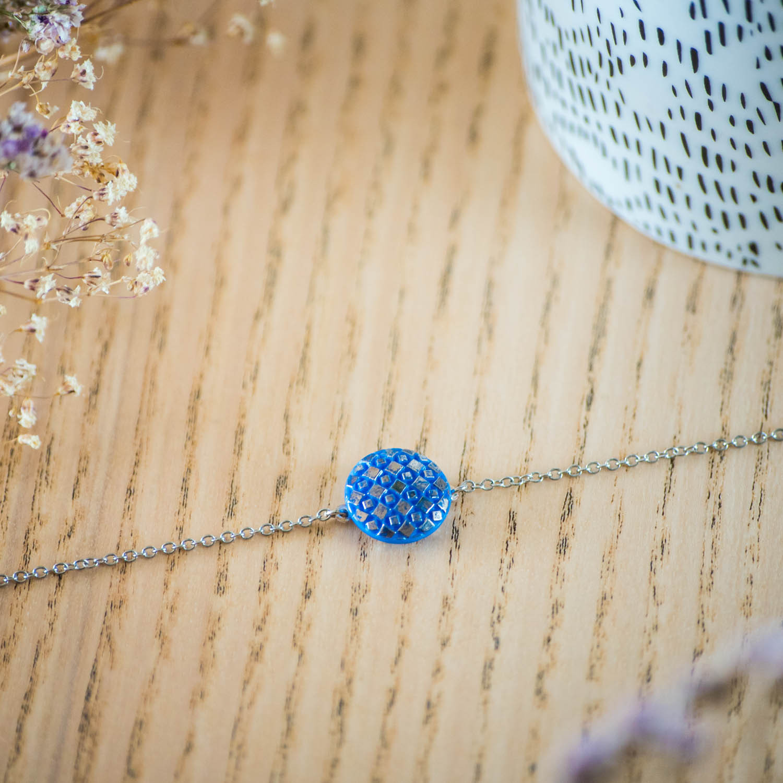 Assuna – Bracelet simple chaîne Eugénie bleu – inspiration vintage