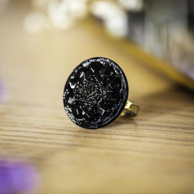 Bague Sybille noir - bouton ancien - inspiration vintage