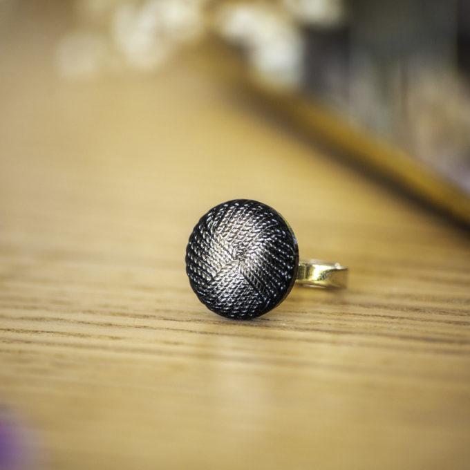 Assuna - Petite bague Rosalie - Bague bouton ancien d'inspiration vintage