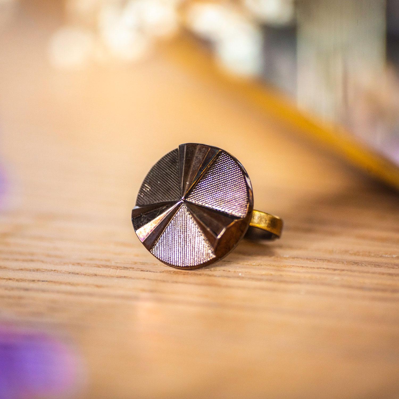 Bague Angèle bronze – bouton ancien – inspiration vintage