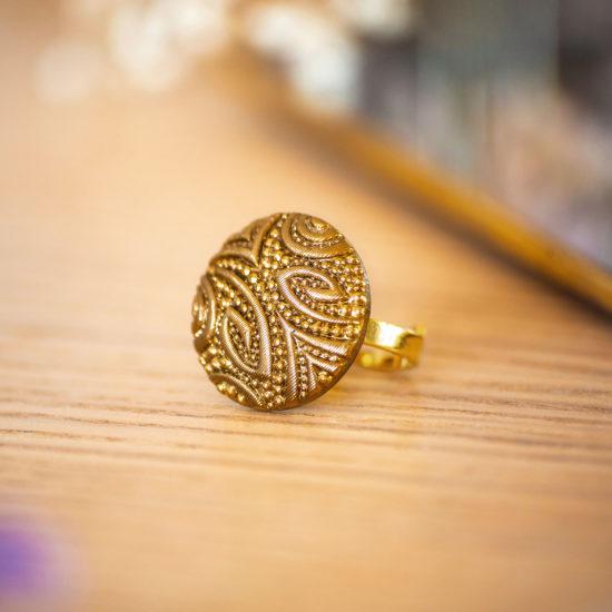 Assuna - Bague Garance dorée - bouton ancien - inspiration vintage