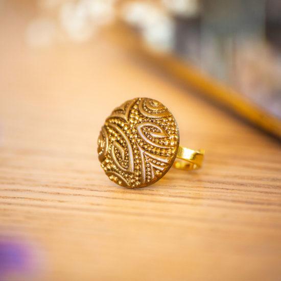 Bague Garance dorée - bouton ancien - inspiration vintage