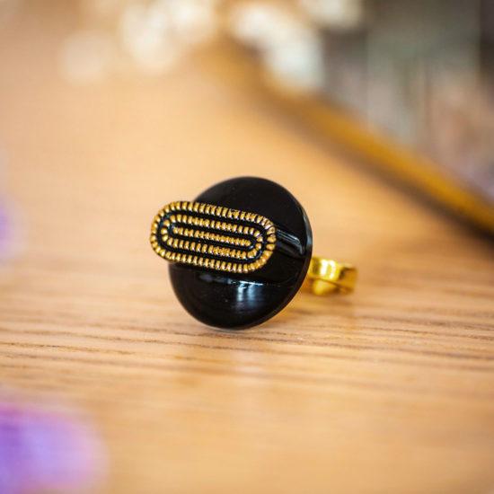 Assuna - Bague Georgette dorée - bouton ancien - inspiration vintage