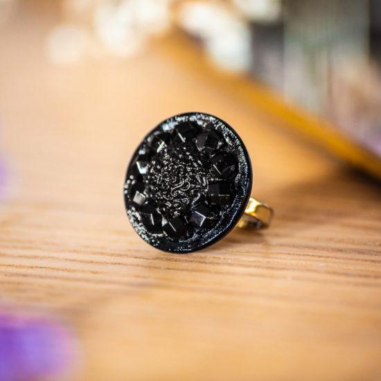 Bague Sybille noire - bouton ancien - inspiration vintage